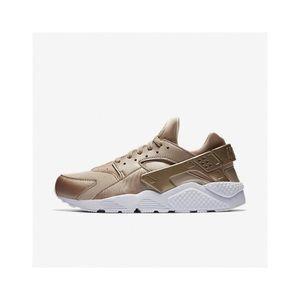 Nike Air Huarache Premium Men's Shoe Sneakers